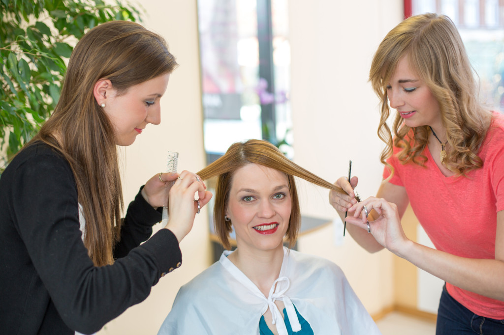 Know About Different Types of Hairdressing Courses, Seekyt