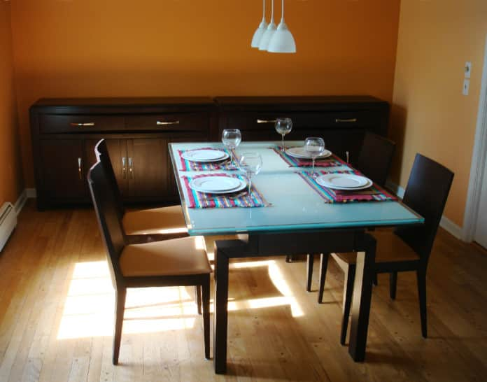 5 Utility-Enhancing Dining Table Accessories