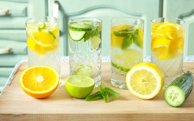 How To Create Fresh Flavored Water At Home, Seekyt