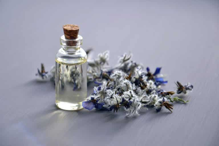 Best Essential Oils for Acne and Beautiful Skin